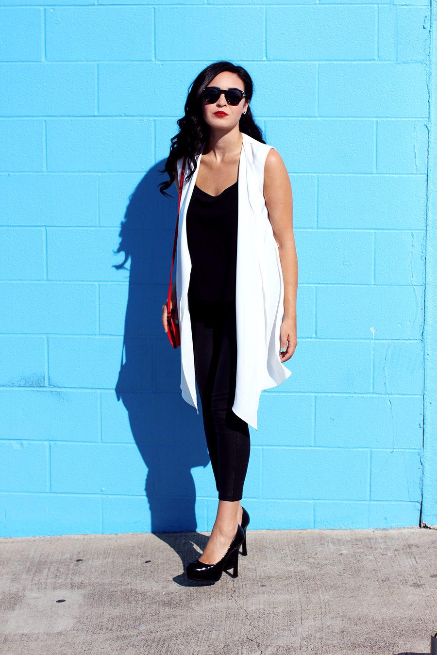 Fixin To Thrill Black Hair White Longline Vest Trendy Chic Glam Austin Fashion Blog Outfit Red