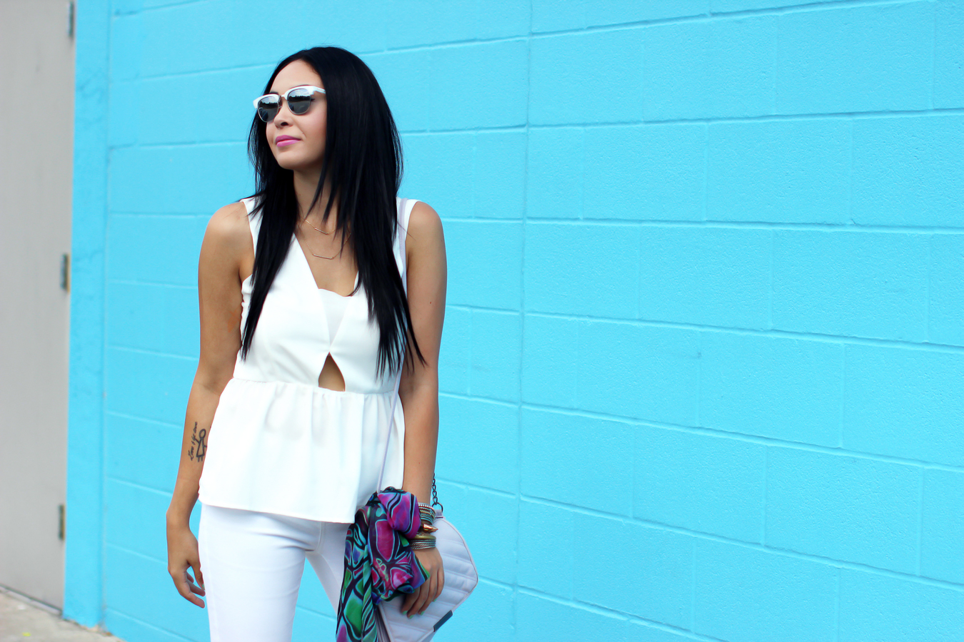 FIXIN-TO-THRILL-WHITE-CUTOUT-SKINNY-JEANS-TRENDS-FW15-SUMMER-TRENDY-CHIC-GLAM-AUSTIN-FASHION-BLOG-OUTFIT-TEXAS-STYLE-7
