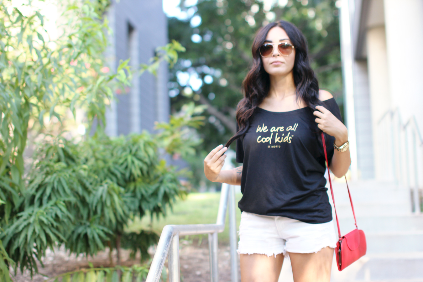 FIXIN-TO-THRILL-LE-MOTTO-ATX-AUSTIN-STYLE-BLOG-SKINNY-SHORTS-SANDALS-SHIRTS-WORDS-EMPOWERMENT-SPONSORED-TRENDS-FW15-TRENDY-CHIC-GLAM-FASHION-TEXAS-BLACK-7