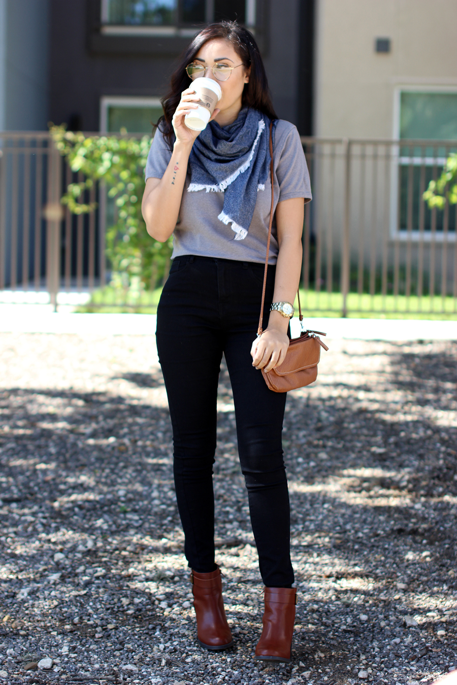 FIXIN-TO-THRILL-BANANA-REPUBLIC-TEE-CREW-NECK-CASUAL-TREND-FALL-OCTOBER-ATX-AUSTIN-STYLE-BLOG-FW15-TRENDY-CHIC-GLAM-TEXAS-6