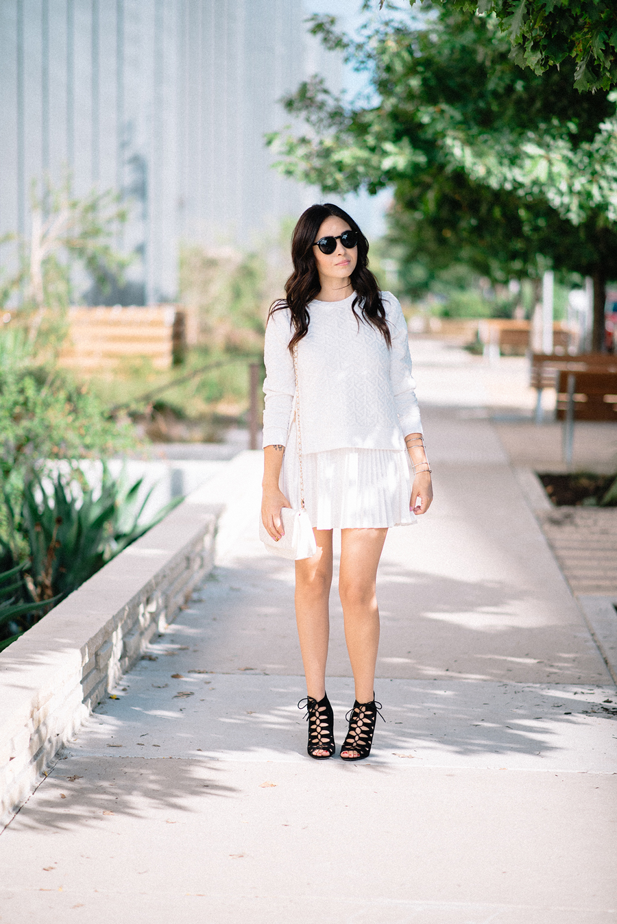 FIXIN-TO-THRILL-CARLOS-BARRON-PHOTOGRAPHY-FALL-NUDE-OCTOBER-CHIC-ATX-AUSTIN-STYLE-BLOG-BLACK-WHITE-LACE-SANDALS-TRENDS-FW15-TRENDY-CHIC-GLAM-FASHION-TEXAS-2