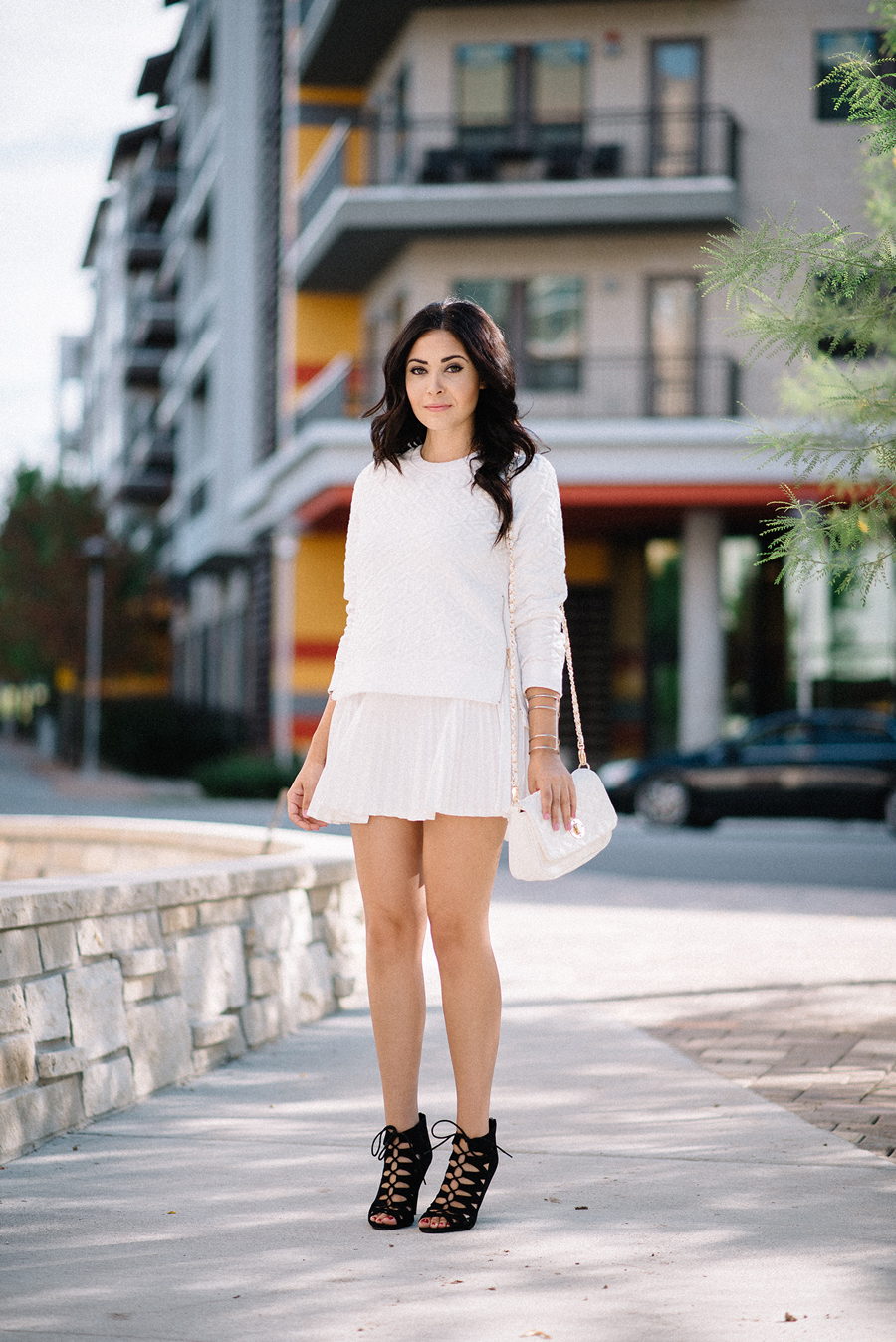 FIXIN-TO-THRILL-CARLOS-BARRON-PHOTOGRAPHY-FALL-NUDE-OCTOBER-CHIC-ATX-AUSTIN-STYLE-BLOG-BLACK-WHITE-LACE-SANDALS-TRENDS-FW15-TRENDY-CHIC-GLAM-FASHION-TEXAS-6