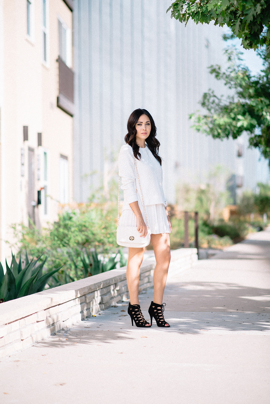 FIXIN-TO-THRILL-CARLOS-BARRON-PHOTOGRAPHY-FALL-NUDE-OCTOBER-CHIC-ATX-AUSTIN-STYLE-BLOG-BLACK-WHITE-LACE-SANDALS-TRENDS-FW15-TRENDY-CHIC-GLAM-FASHION-TEXAS-8
