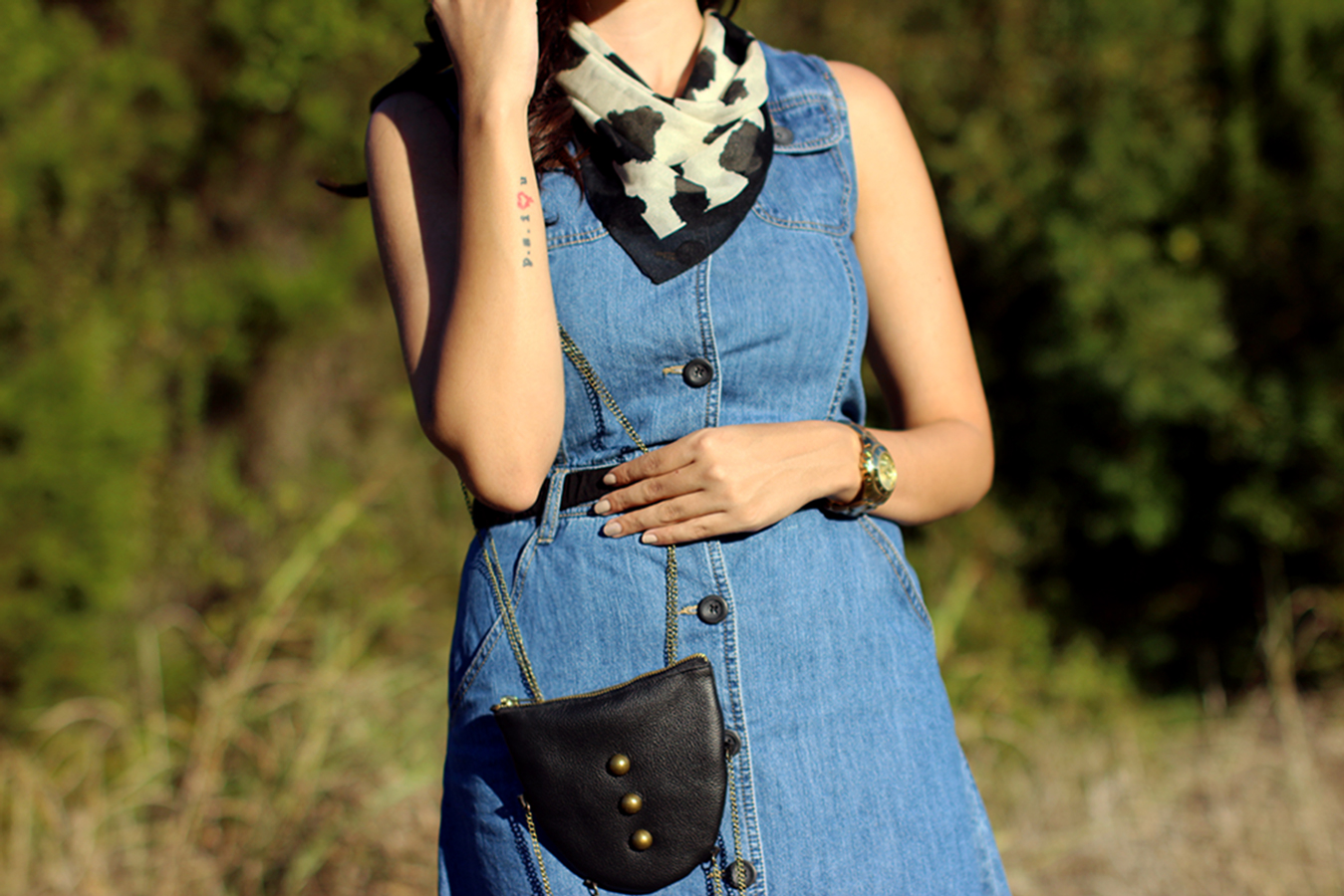 FIXIN-TO-THRILL-PINK-SILVER-FASHION-DENIM-DRESS-STRAPPY-HEELS-TREND-FALL-OCTOBER-ATX-AUSTIN-STYLE-BLOG-FW15-TRENDY-CHIC-GLAM-TEXAS-2