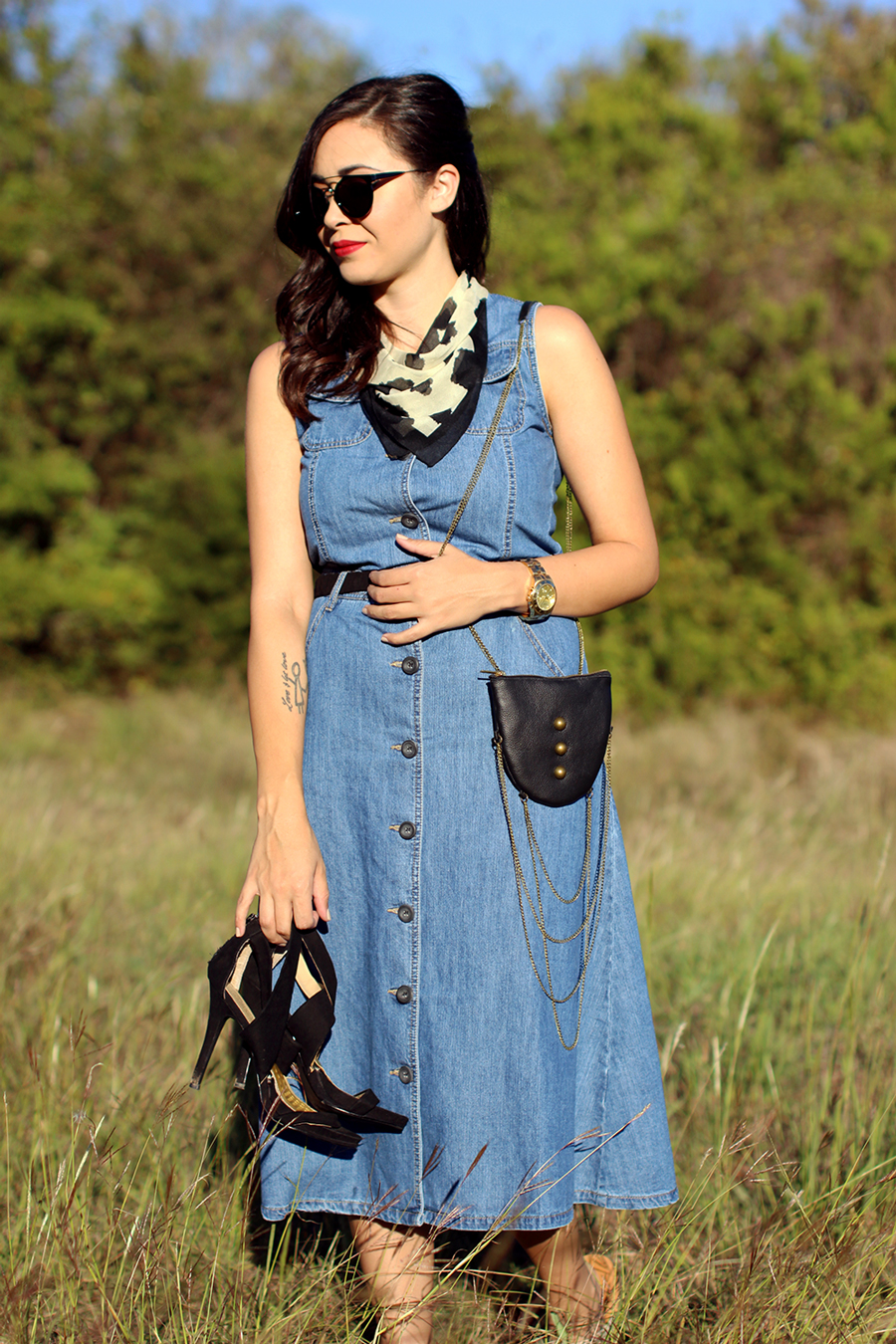 FIXIN-TO-THRILL-PINK-SILVER-FASHION-DENIM-DRESS-STRAPPY-HEELS-TREND-FALL-OCTOBER-ATX-AUSTIN-STYLE-BLOG-FW15-TRENDY-CHIC-GLAM-TEXAS-6