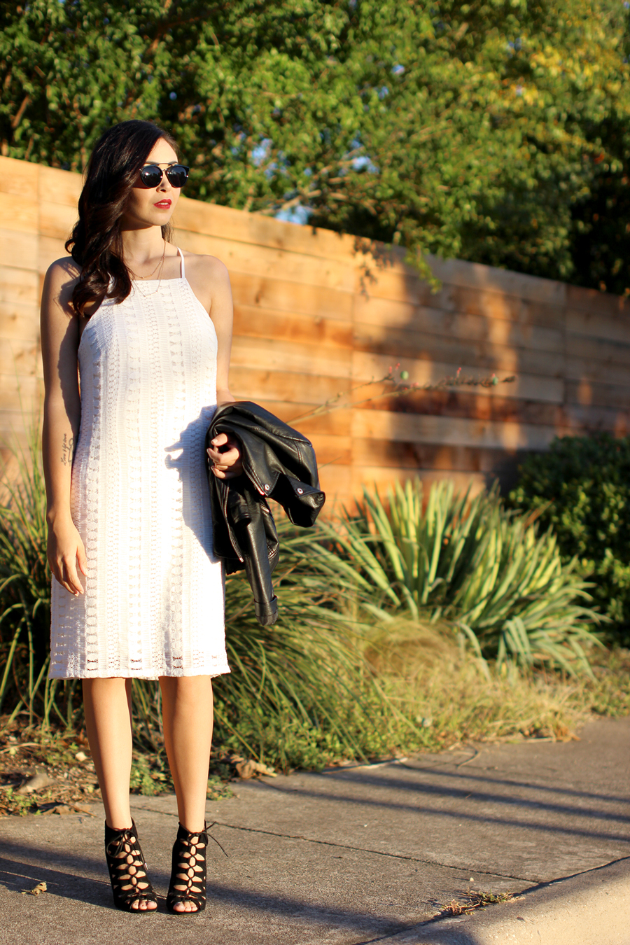 FIXIN-TO-THRILL-WHITE-HALTER-DRESS-STRAPPY-HEELS-LEATHER-TREND-FALL-OCTOBER-ATX-AUSTIN-STYLE-BLOG-FW15-TRENDY-CHIC-GLAM-TEXAS-2