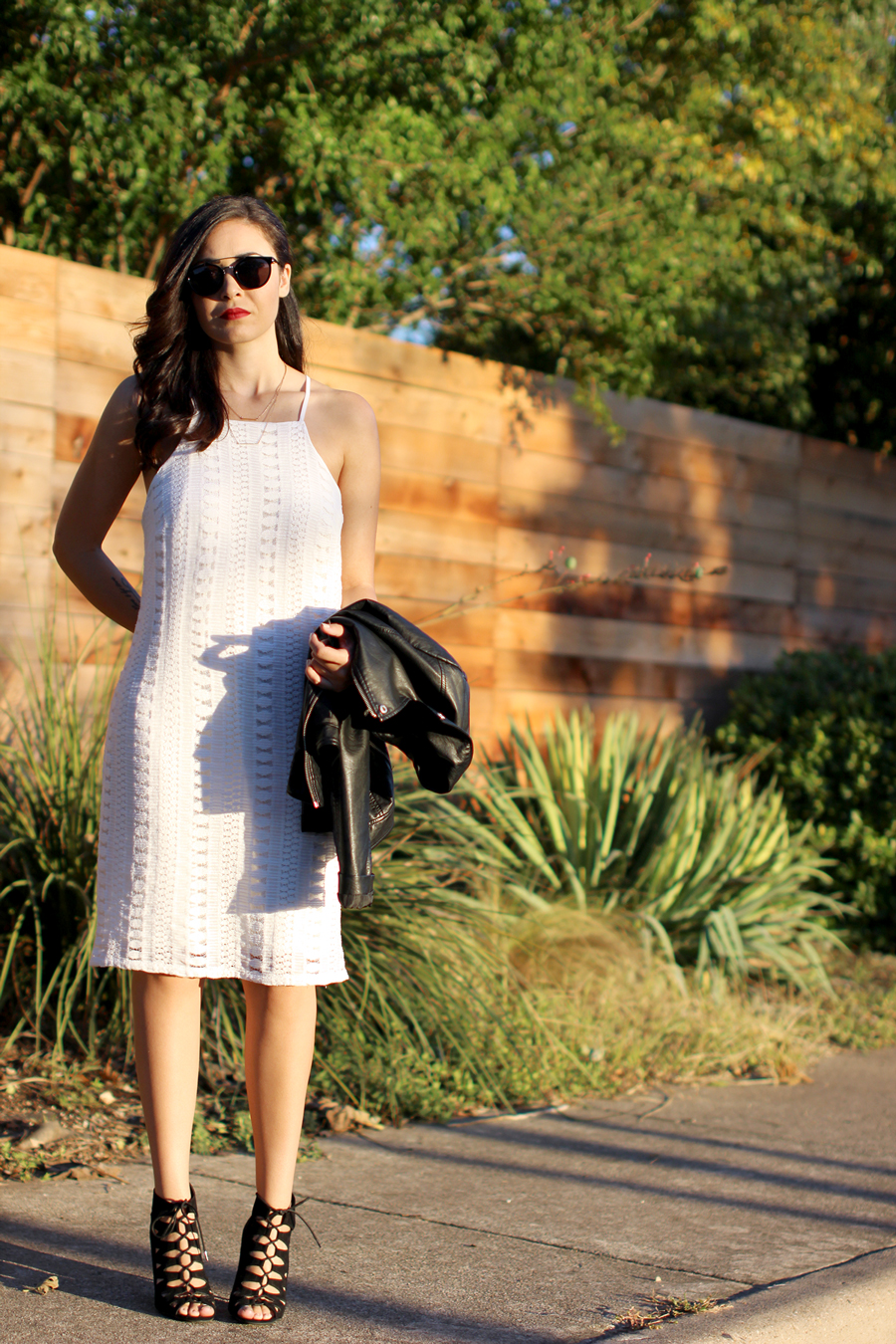 FIXIN-TO-THRILL-WHITE-HALTER-DRESS-STRAPPY-HEELS-LEATHER-TREND-FALL-OCTOBER-ATX-AUSTIN-STYLE-BLOG-FW15-TRENDY-CHIC-GLAM-TEXAS-3