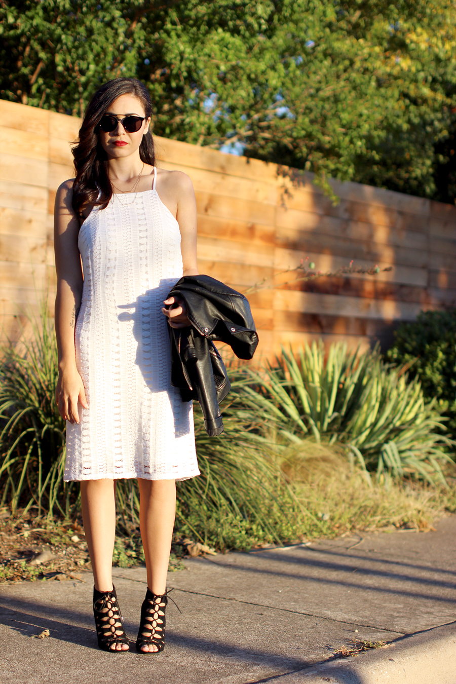FIXIN-TO-THRILL-WHITE-HALTER-DRESS-STRAPPY-HEELS-LEATHER-TREND-FALL-OCTOBER-ATX-AUSTIN-STYLE-BLOG-FW15-TRENDY-CHIC-GLAM-TEXAS-5