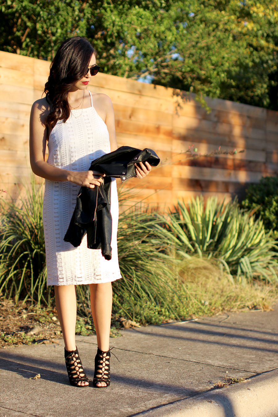 FIXIN-TO-THRILL-WHITE-HALTER-DRESS-STRAPPY-HEELS-LEATHER-TREND-FALL-OCTOBER-ATX-AUSTIN-STYLE-BLOG-FW15-TRENDY-CHIC-GLAM-TEXAS-9
