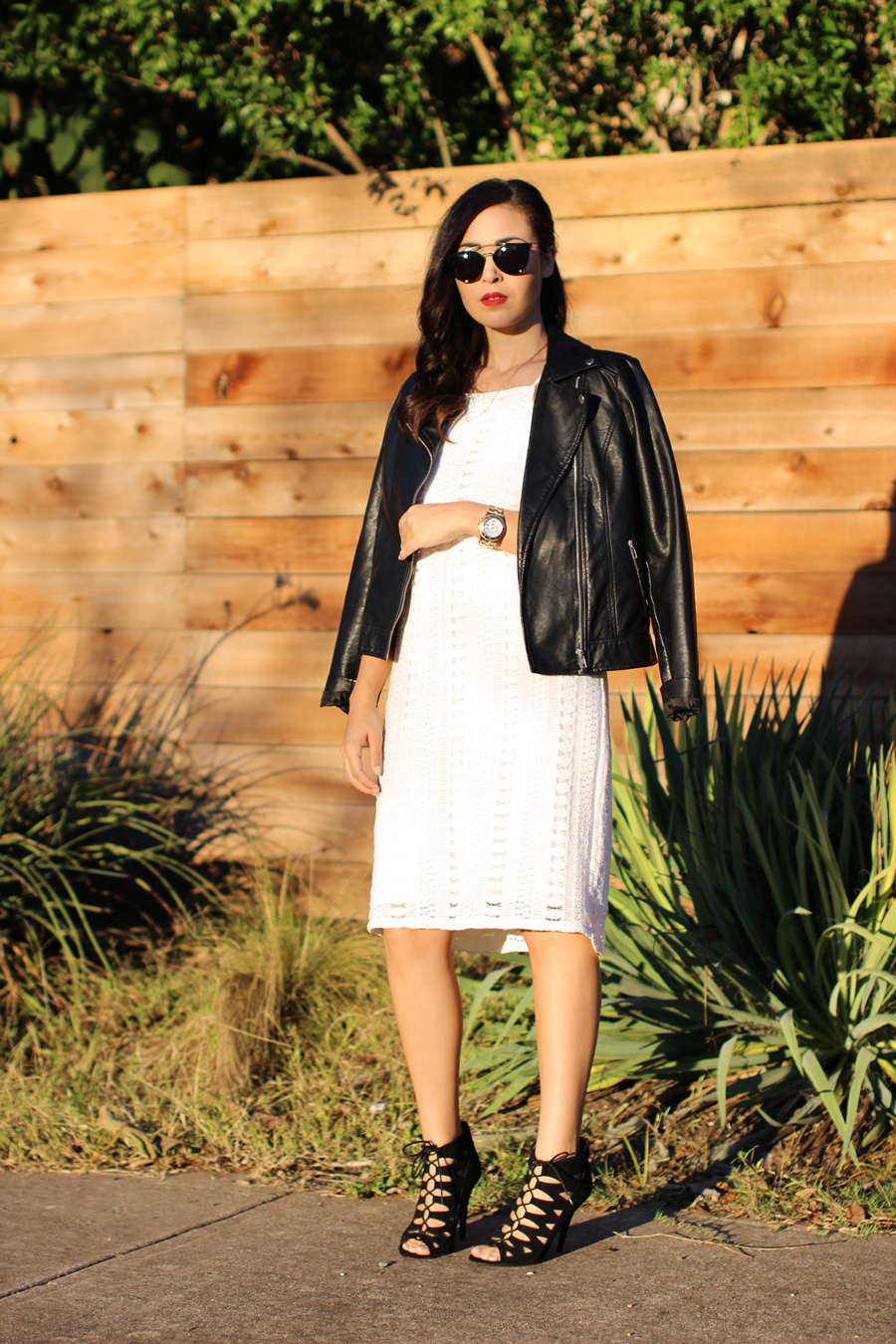 FIXIN-TO-THRILL-WHITE-HALTER-DRESS-STRAPPY-HEELS-LEATHER-TREND-FALL-OCTOBER-ATX-AUSTIN-STYLE-BLOG-FW15-TRENDY-CHIC-GLAM-TEXAS