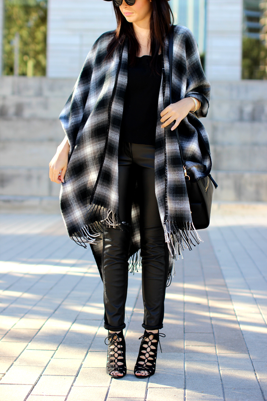 FIXIN-TO-THRILL-OVERSIZED-SCARF-CHECK-LEATHER-BLACK-NOVEMBER-ATX-AUSTIN-STYLE-BLOG-FW15-TRENDY-CHIC-GLAM-TEXAS-4