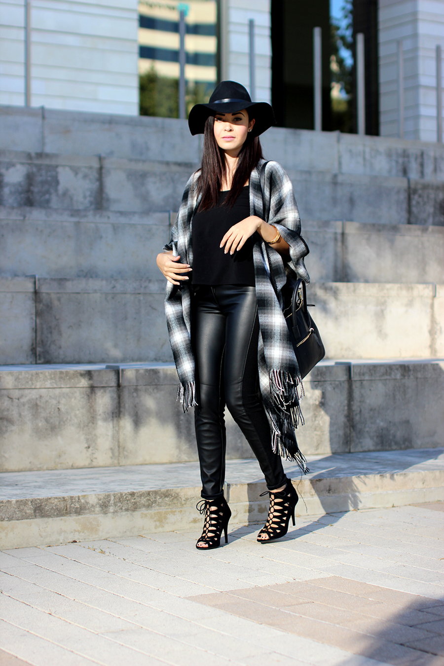 FIXIN-TO-THRILL-OVERSIZED-SCARF-CHECK-LEATHER-BLACK-NOVEMBER-ATX-AUSTIN-STYLE-BLOG-FW15-TRENDY-CHIC-GLAM-TEXAS-5