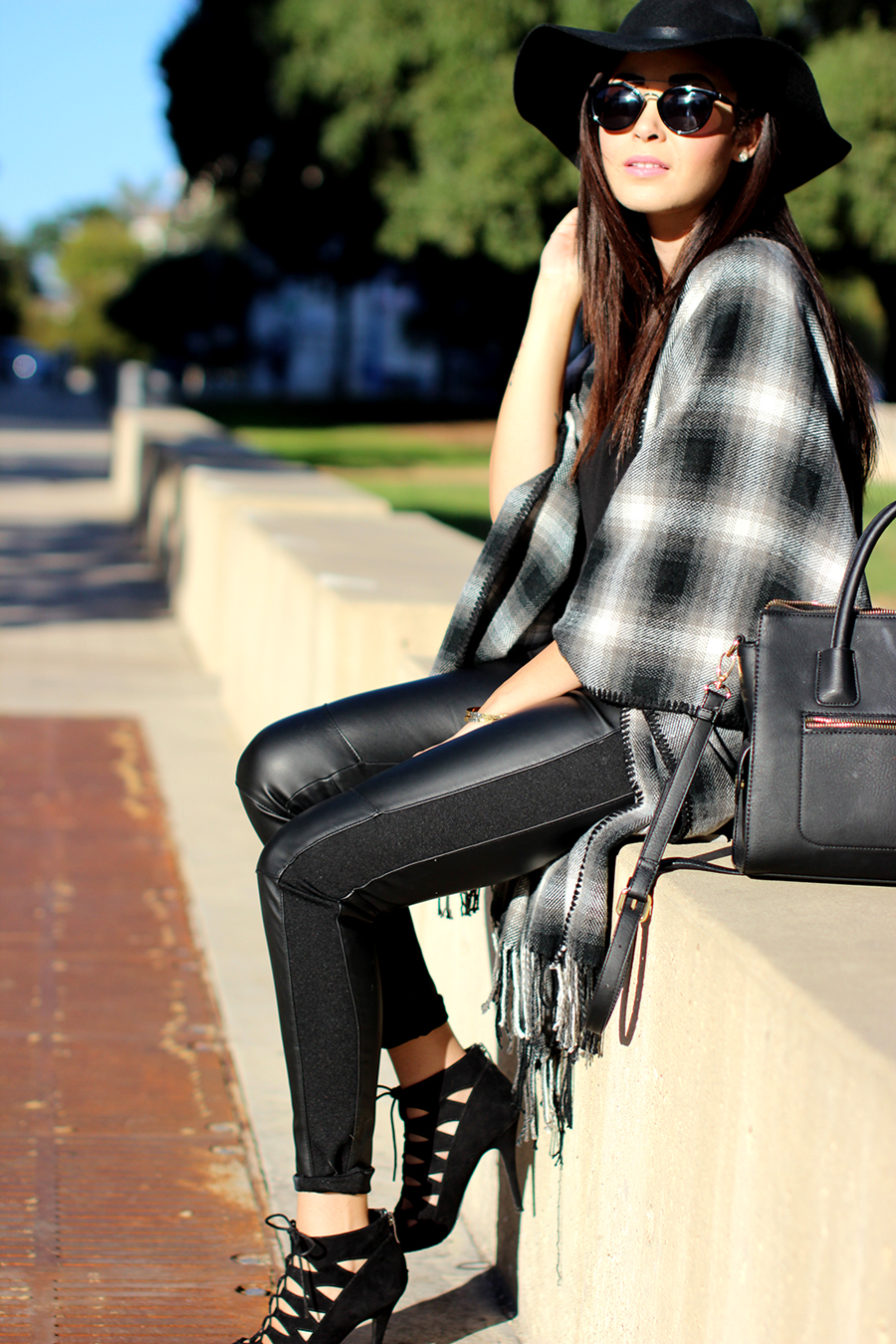 FIXIN-TO-THRILL-OVERSIZED-SCARF-CHECK-LEATHER-BLACK-NOVEMBER-ATX-AUSTIN-STYLE-BLOG-FW15-TRENDY-CHIC-GLAM-TEXAS-6