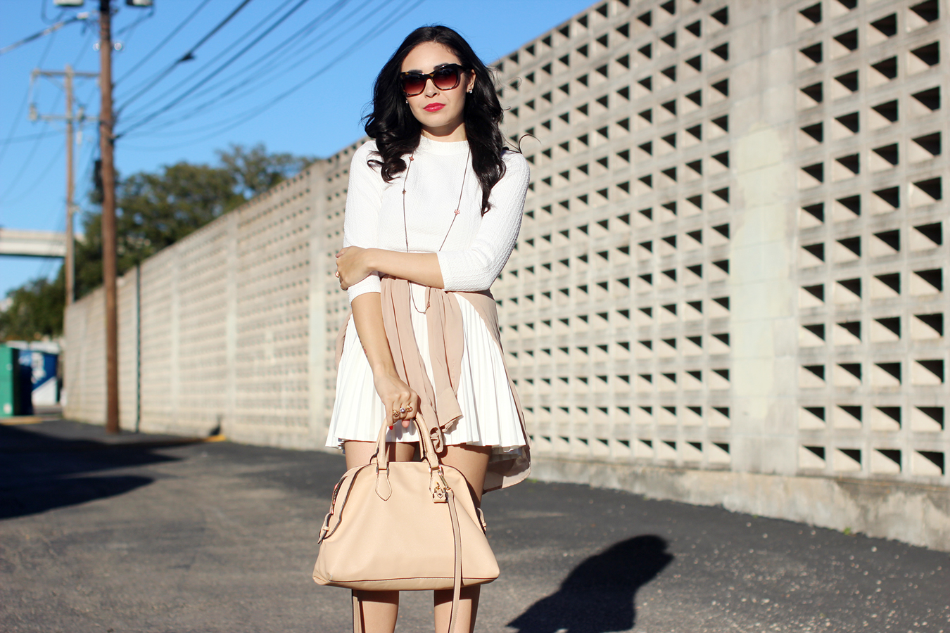 FTT-WHITE-TENNIS-PLEATED-SKIRT-CROP-KNIT-RED-LIPS-NUDE-ALDO-PUMPS-6