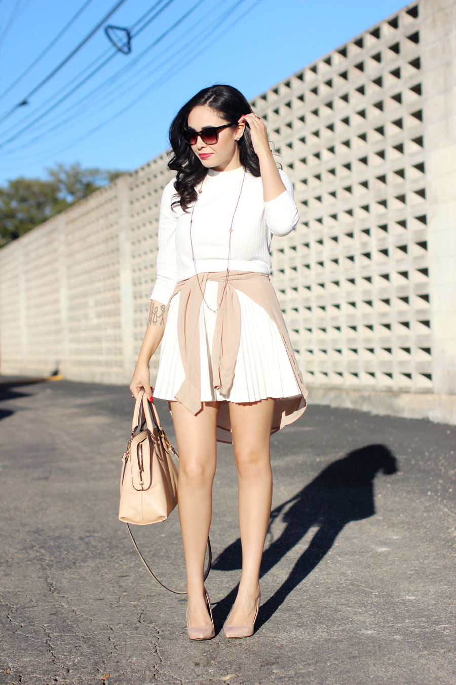 FTT-WHITE-TENNIS-PLEATED-SKIRT-CROP-KNIT-RED-LIPS-NUDE-ALDO-PUMPS-8