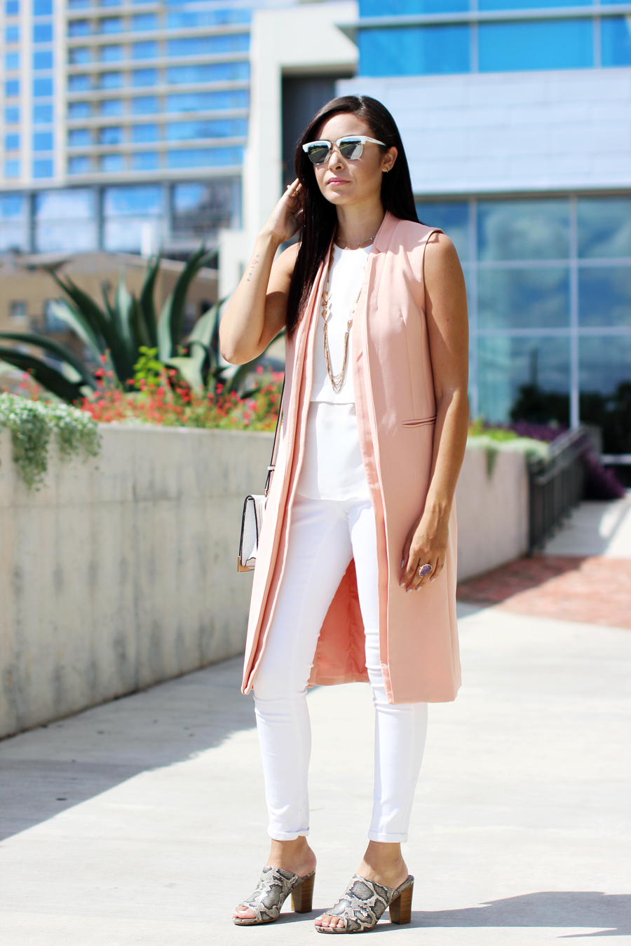 FTT-LILY-JAMES-COLLECTION-PINK-VEST-WHITE-LOOK-MULES-12