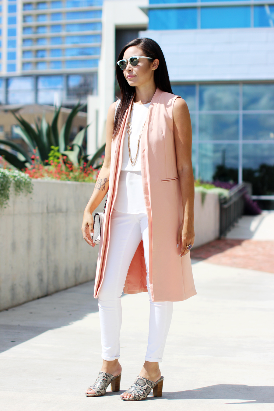 FTT-LILY-JAMES-COLLECTION-PINK-VEST-WHITE-LOOK-MULES-13